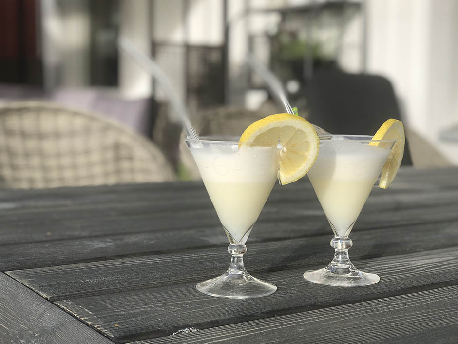 Creamy lemonade
